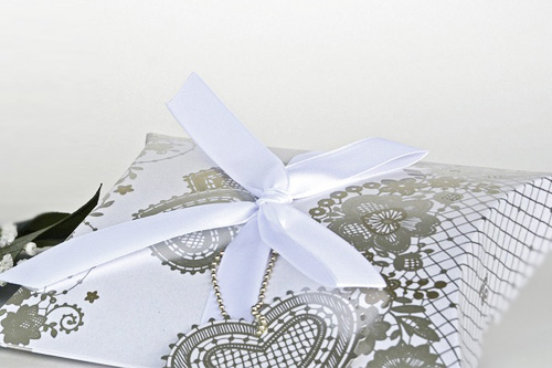 Wedding bomboniere do it yourself wedding bomboniere ideas wedding bomboniere box pillow shape white with gold pattern solutioingenieria Images