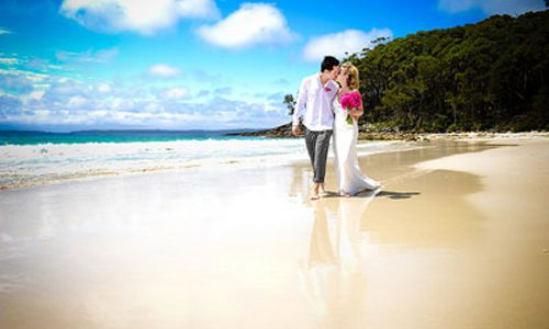 South coast beach wedding at Greenfields Beach Jervis Bay. Wedding photography by Nora Devai